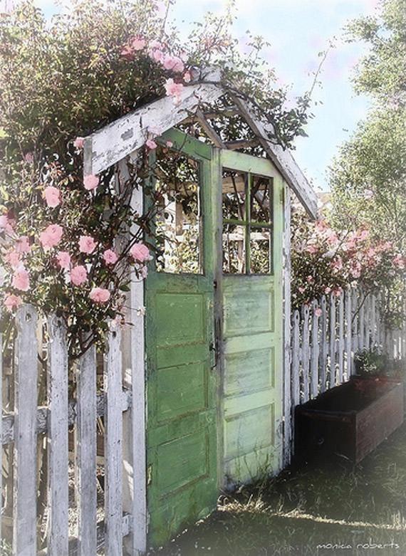 1-upcyled-garden-gate-1-1